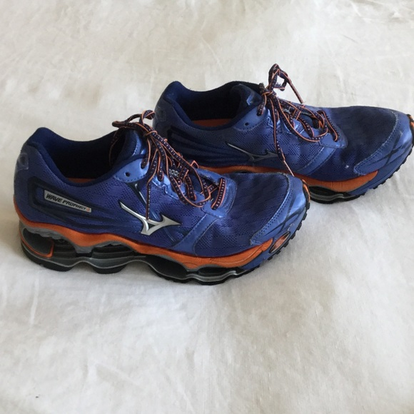 sports shoes d9308 6f6ee MIZUNO Wave Prophecy 2!!!! Size 8